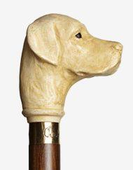 Hondekop houten wandelstok detail